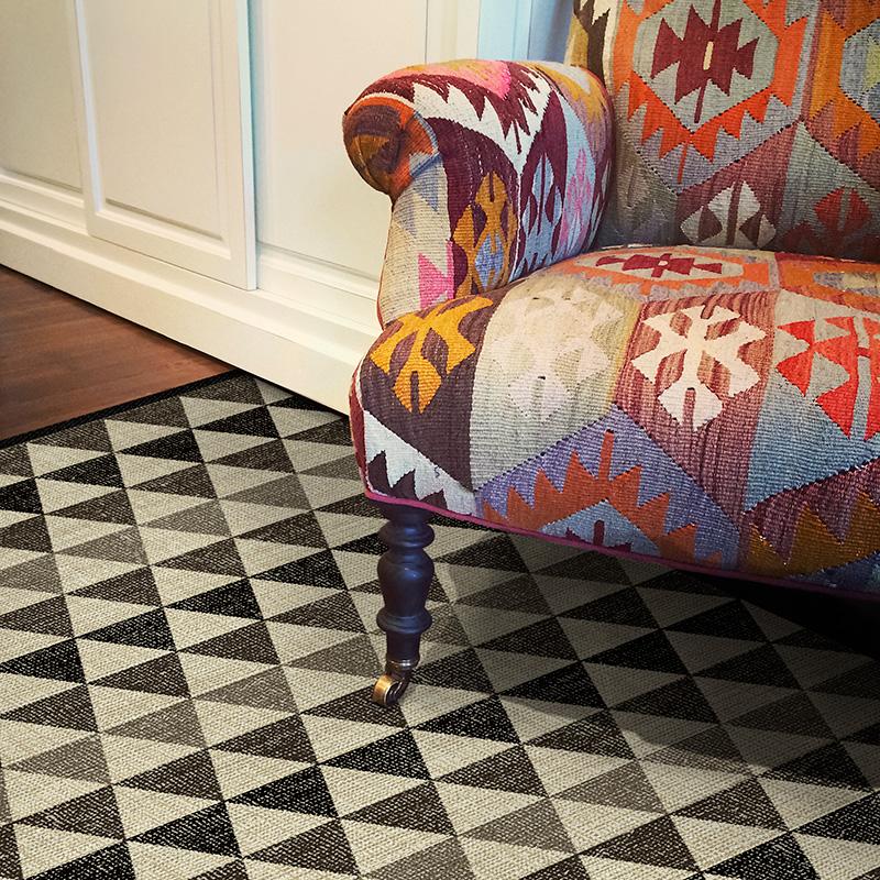 beija-flor-carpet-tapis-imitation-carreau-de-ciment-FrenchyFancy-6
