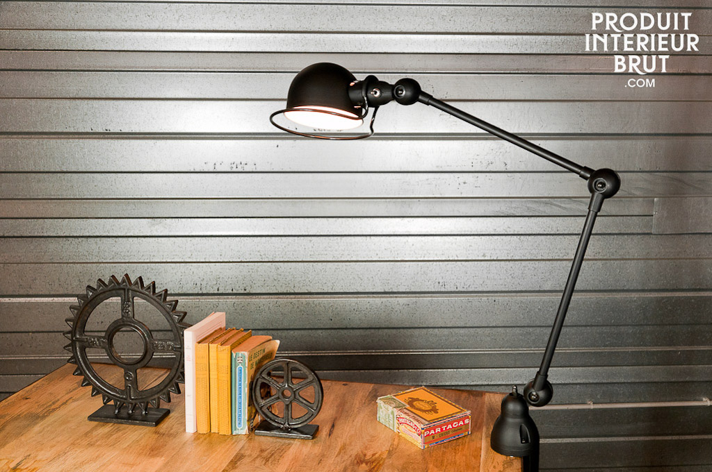 decoration industrielle. Black Bedroom Furniture Sets. Home Design Ideas