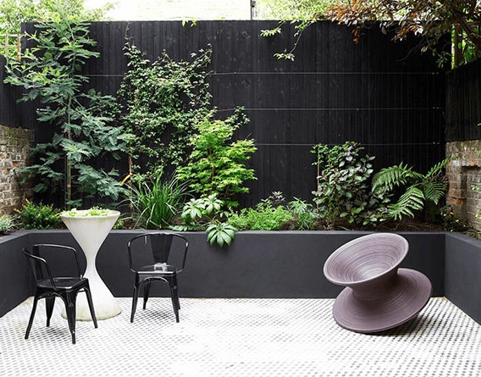Et si on osait le noir dans nos jardins frenchy fancy - Landscaping modern huis ...