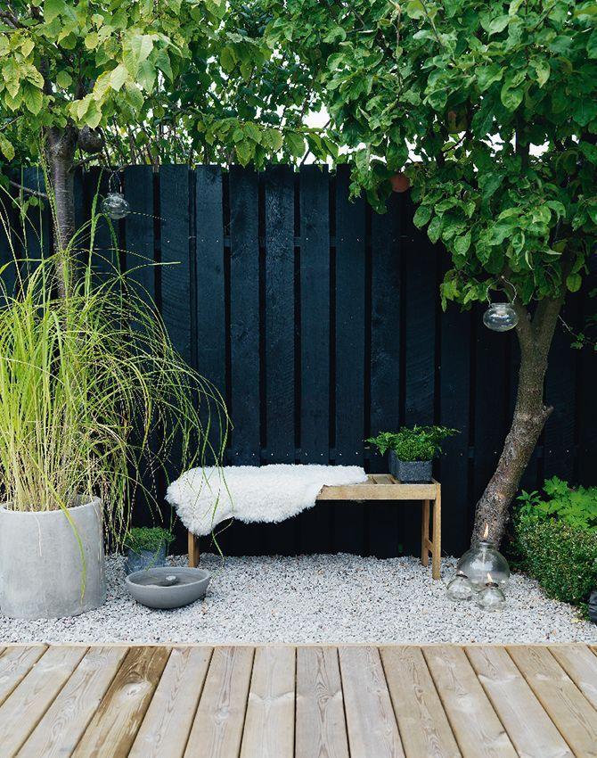 mur-decoration-noir-outdoor-exterieur-amenager-terrasse-jardin-balcon-FrenchyFancy-8