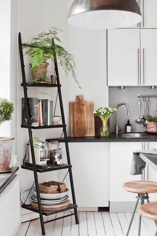 Décoration échelle dans une cuisine