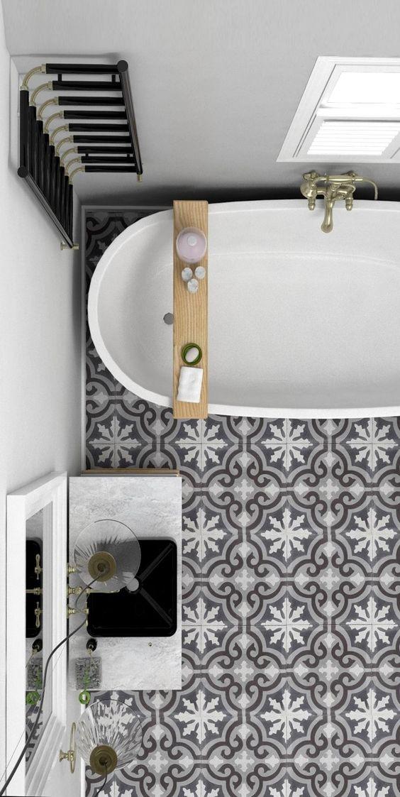 Une salle de bain en carreaux de ciment