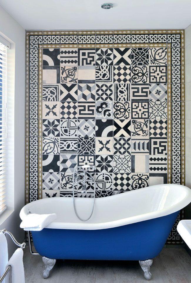 Une salle de bain en carreaux de ciment frenchy fancy - Salle de bain carreau de ciment ...