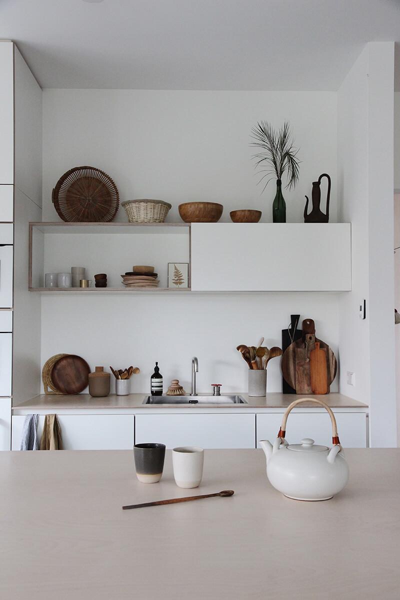 Cuisine avec étagère ouverte