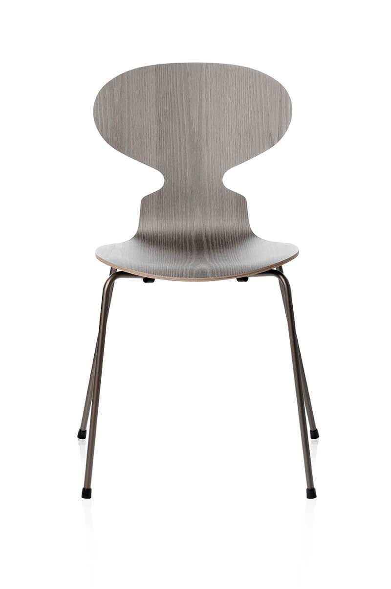 La nouvelle chaise fourmi par fritz hansen frenchyfancy for Chaise fourmi jacobsen