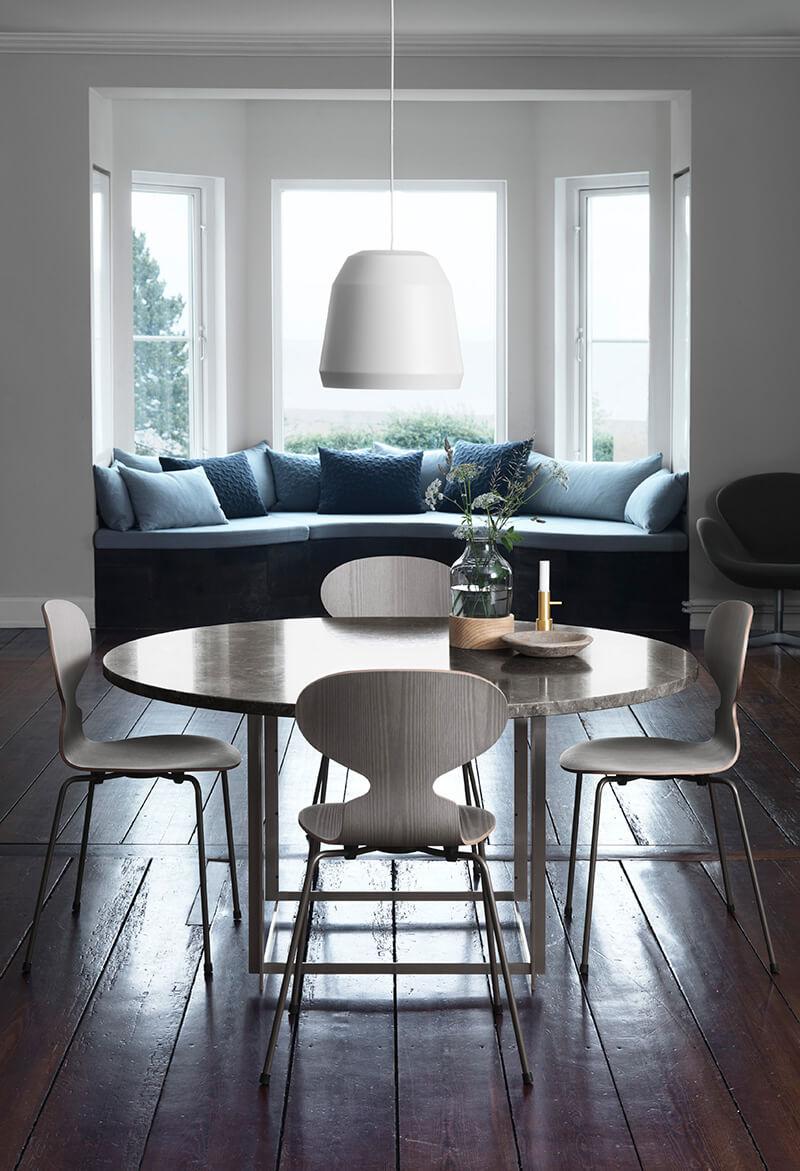 Table de salle à manger avec chaise Fourmi
