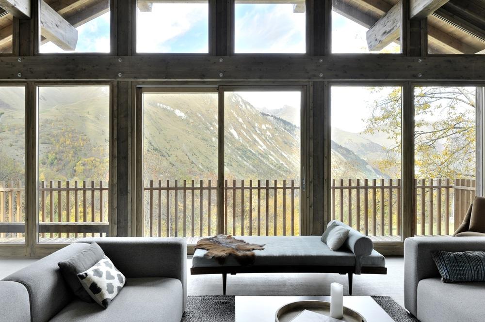 Salon avec baie vitrée