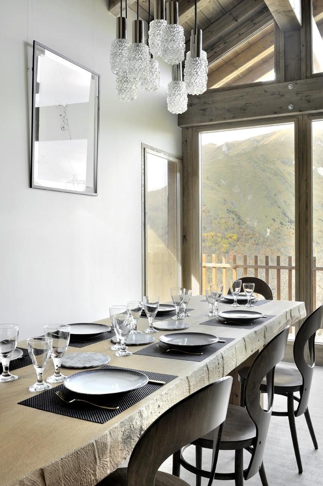 Table de salle à manger en bois massif