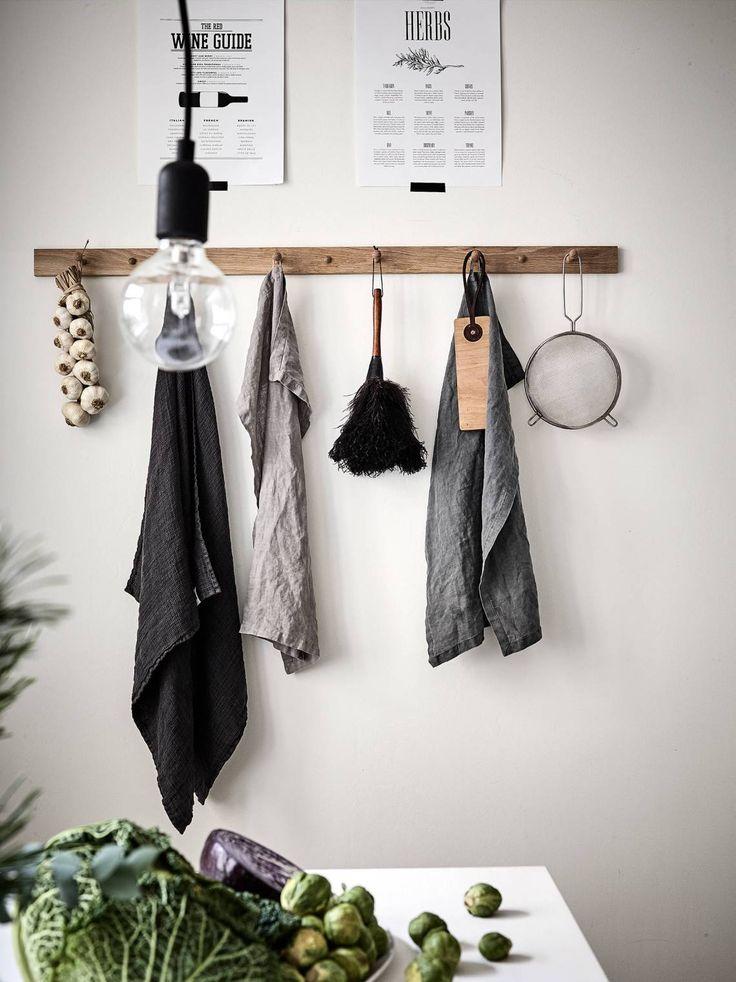 Porte manteau en bois dans la cuisine