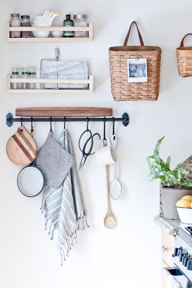 Suspendre des objets dans la cuisine