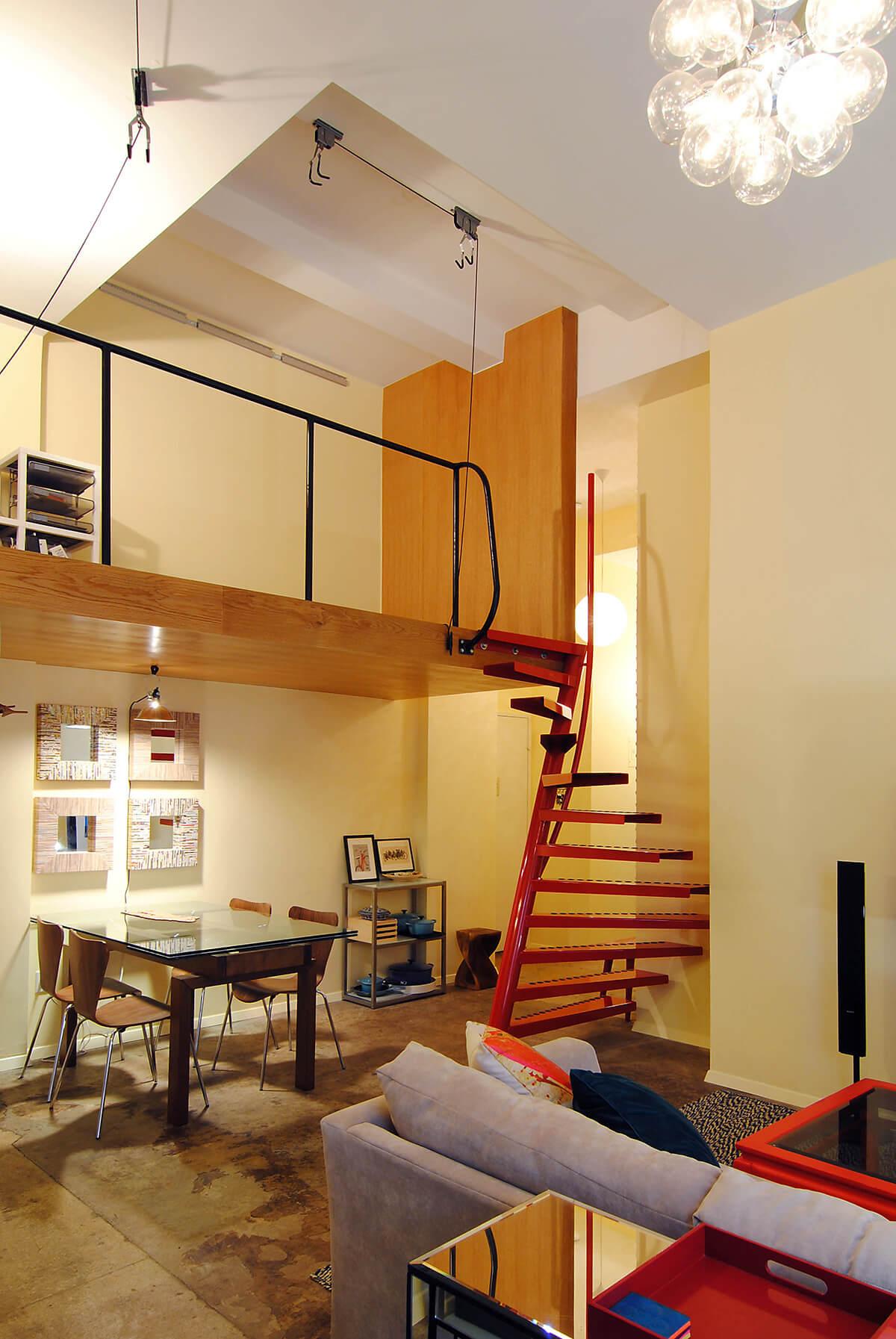 Installer un escalier dans un petit espace frenchy fancy for Petit espace amenagement