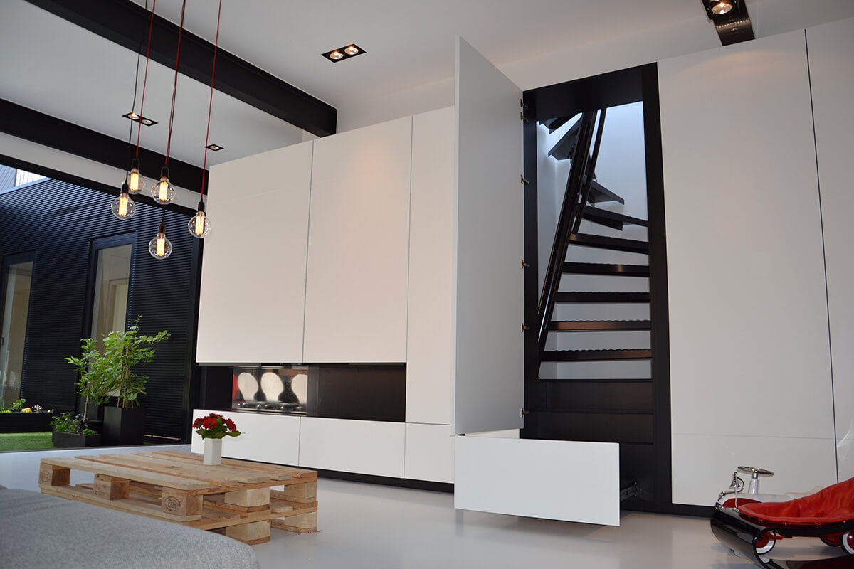 installer un escalier dans un petit espace frenchy fancy. Black Bedroom Furniture Sets. Home Design Ideas