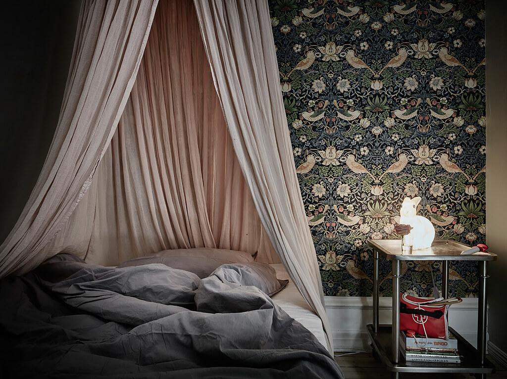 Du papier peint pour une chambre girly - FrenchyFancy