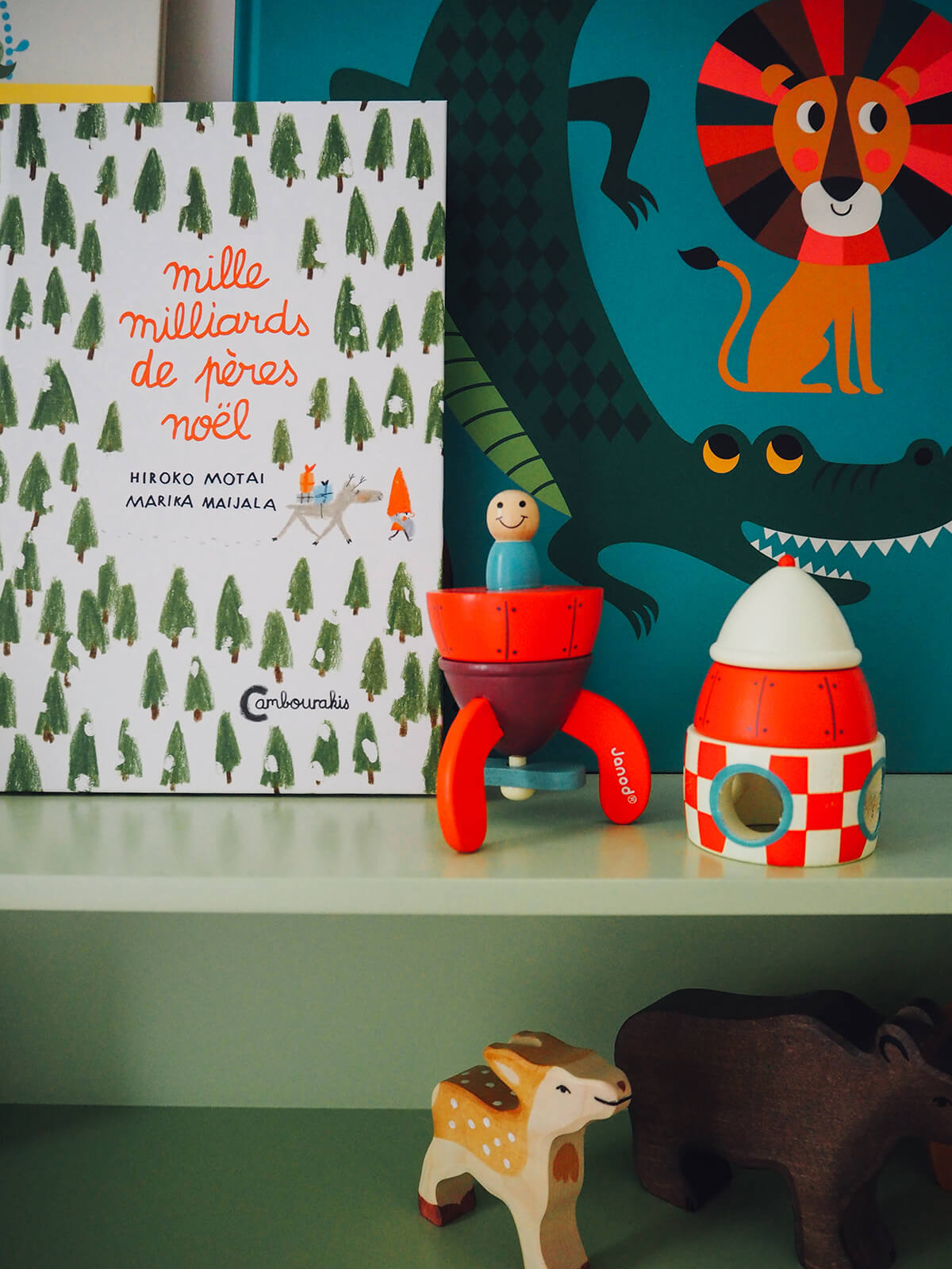 idee deco chambre garcon beaux livres jouets robin FrenchyFancy 7