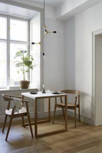 Un petit appartement décoré avec des camaïeux de blanc chaud - FrenchyFancy