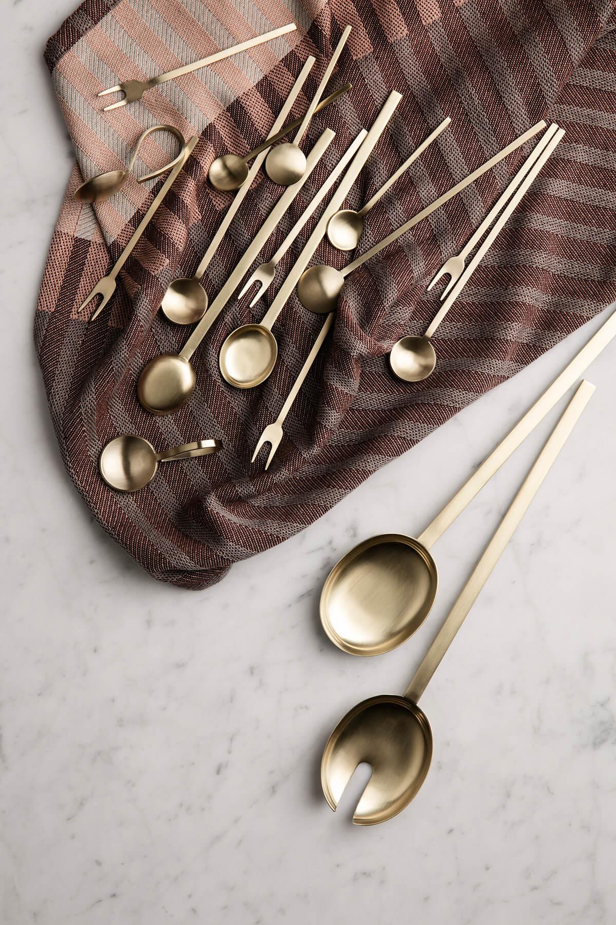 Couverts dorés art de la table