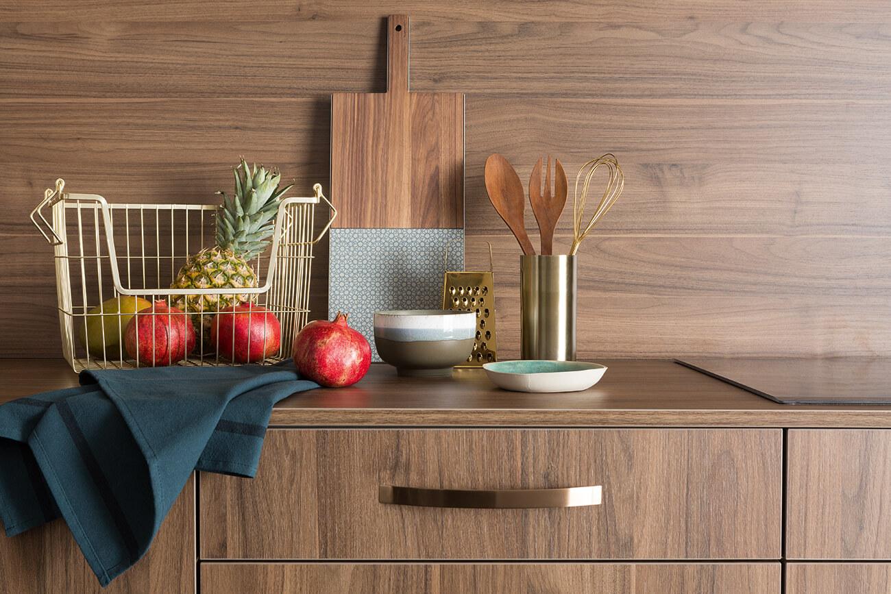 Pourquoi choisir une cuisine en bois foncé