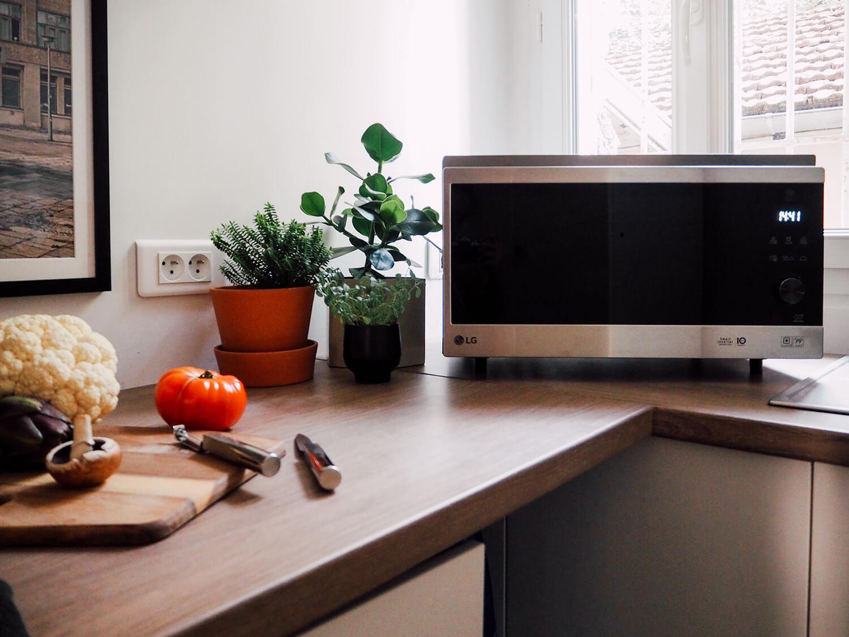 Dans ma cuisine... Une jolie crédence et le LG Neochef