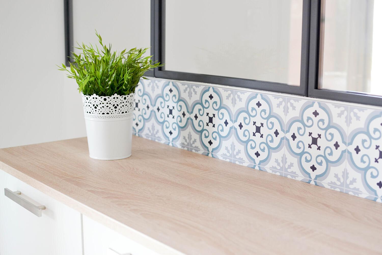 credences decoratives audella style carreaux ciment mosaique amenagement cuisine frenchyfancy 9. Black Bedroom Furniture Sets. Home Design Ideas