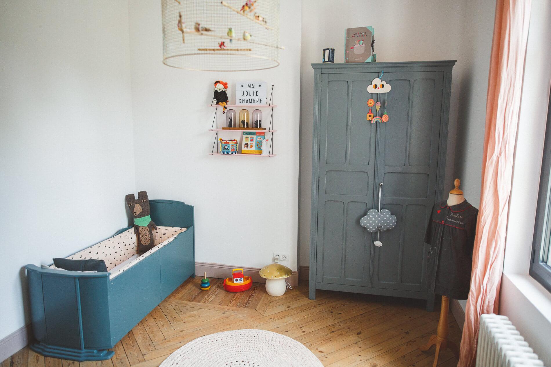 la jolie chambre vintage de constance frenchy fancy. Black Bedroom Furniture Sets. Home Design Ideas