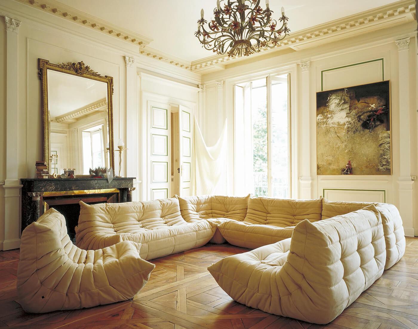 l 39 inimitable canap togo de chez ligne roset frenchy fancy. Black Bedroom Furniture Sets. Home Design Ideas