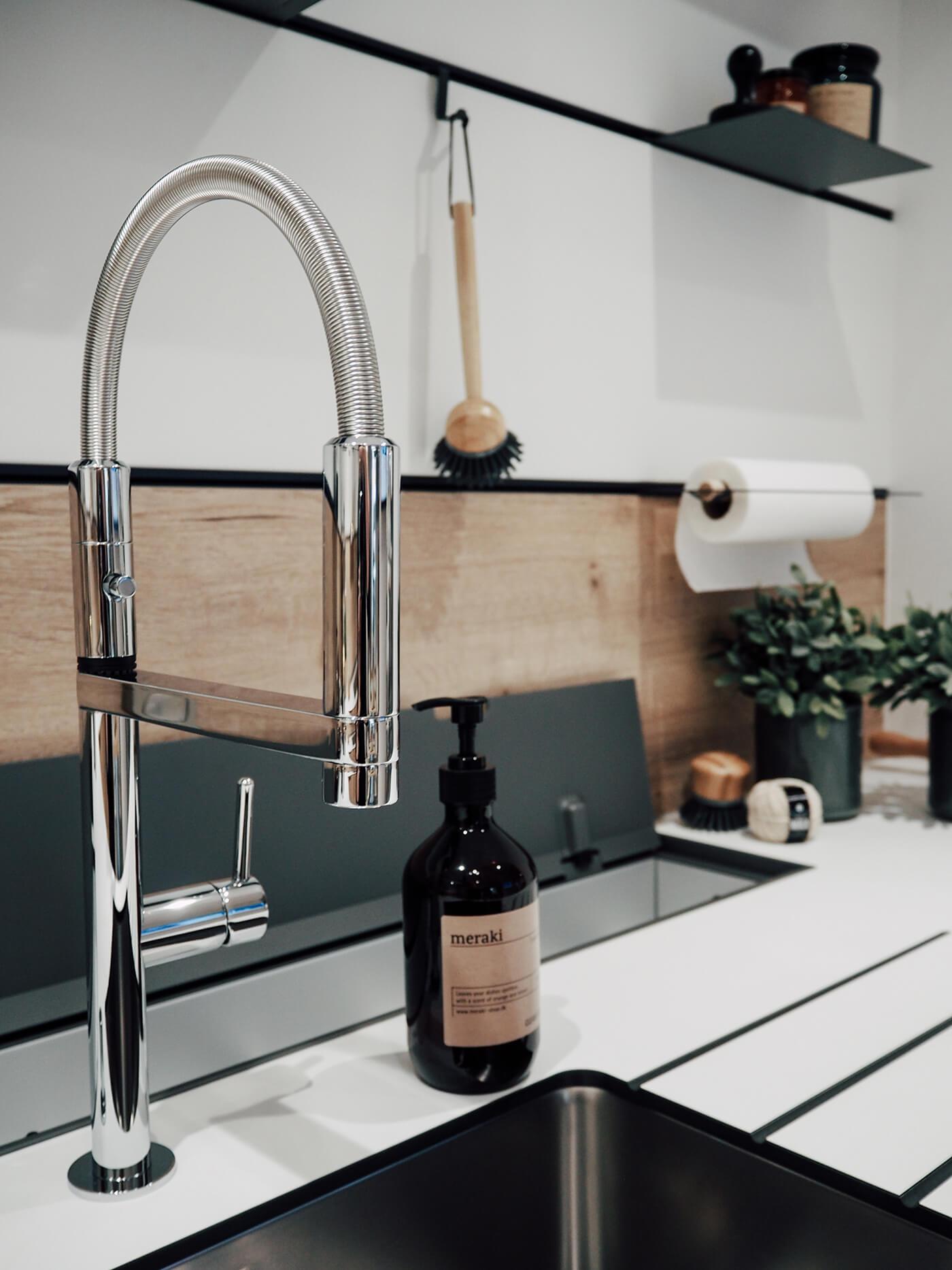 Cuisine minimaliste en bois clair