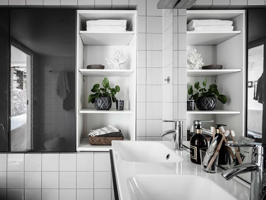 Salle de bain carrelage blanc