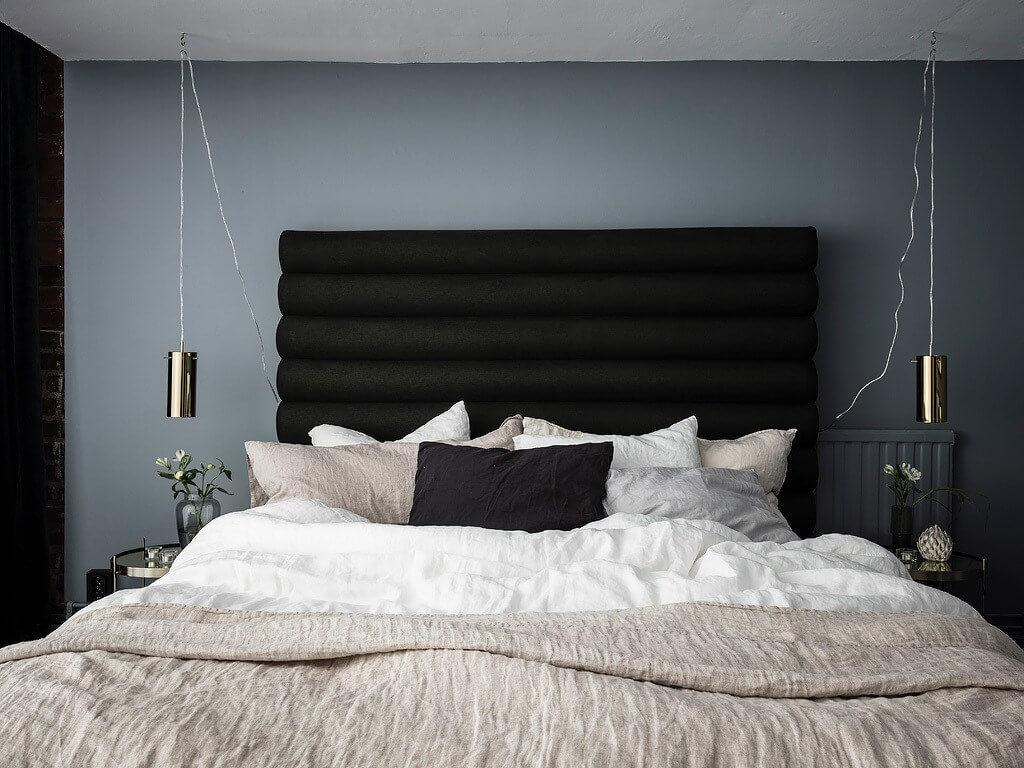 Mur gris bleu dans la chambre