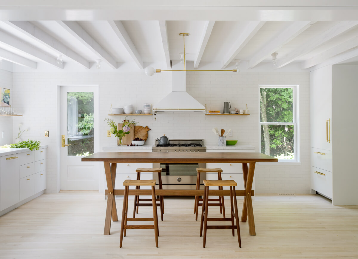 Table de cuisine en bois brut