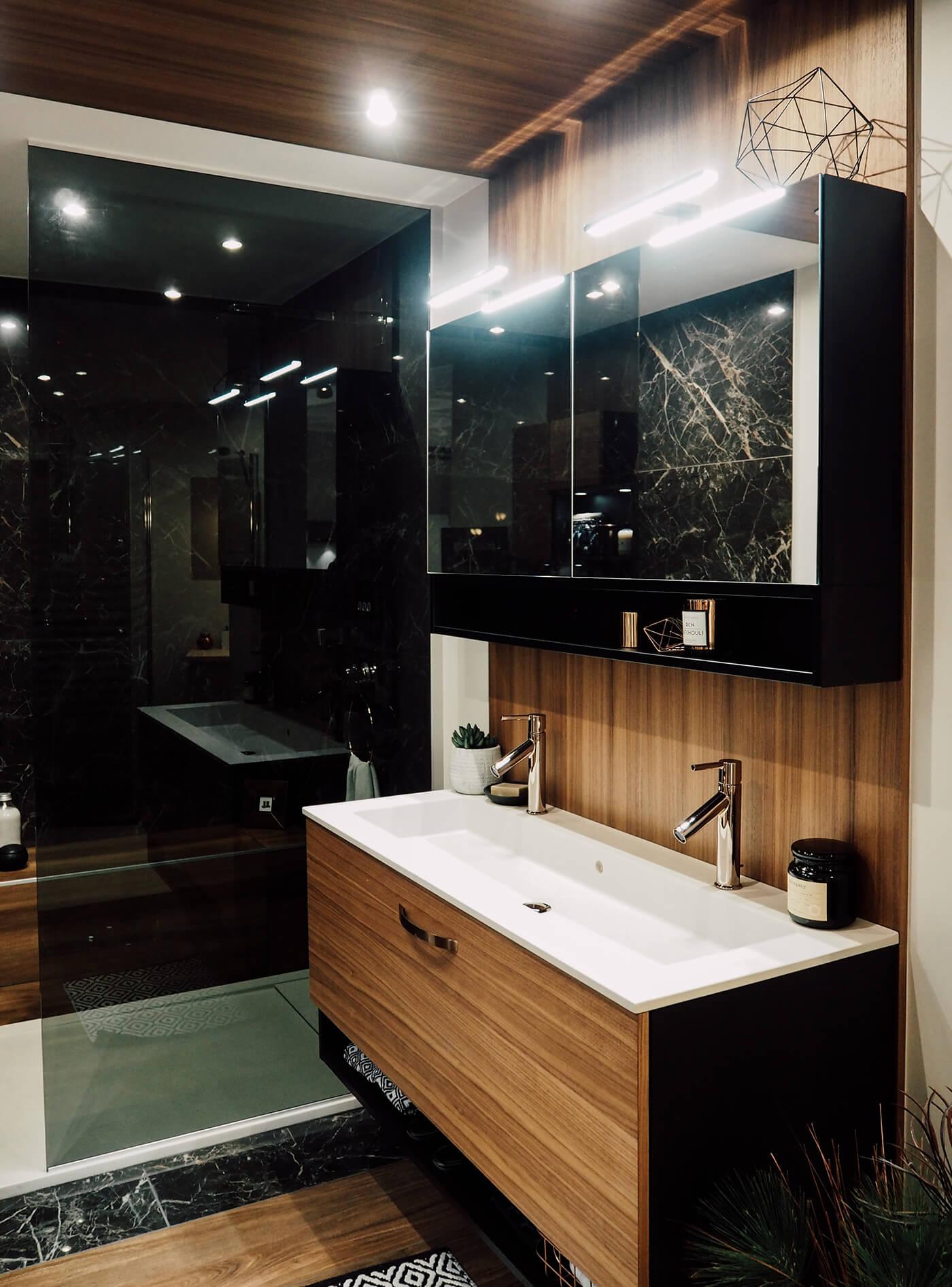 Une salle de bain comme un écrin, chez Mobalpa