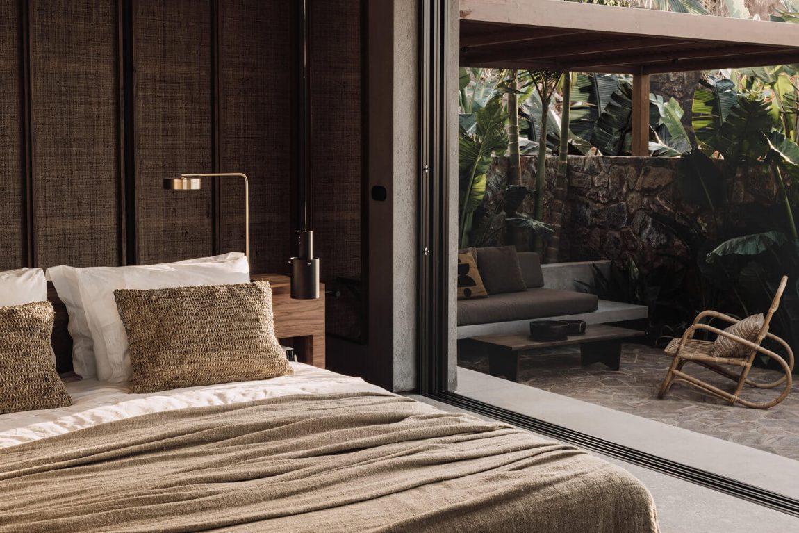 Ambiance naturelle et minérale au Casa Cook Chania - FrenchyFancy