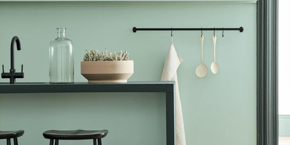 Crédence vert d'eau dans la cuisine