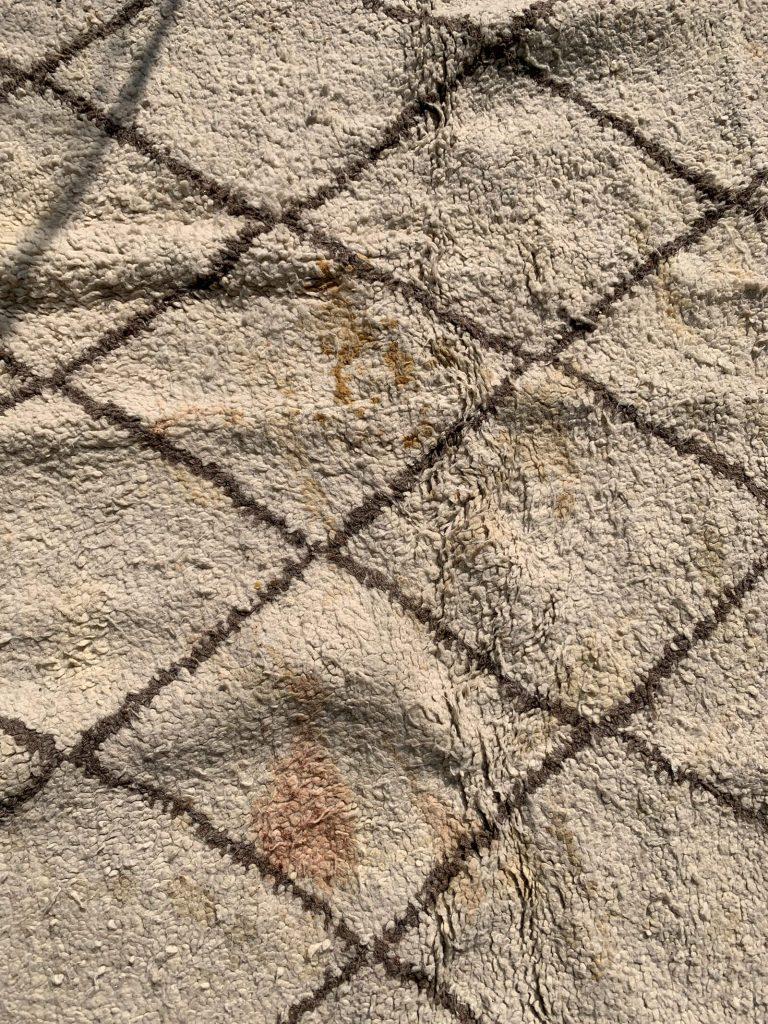 Comment nettoyer un tapis berbère en laine ?