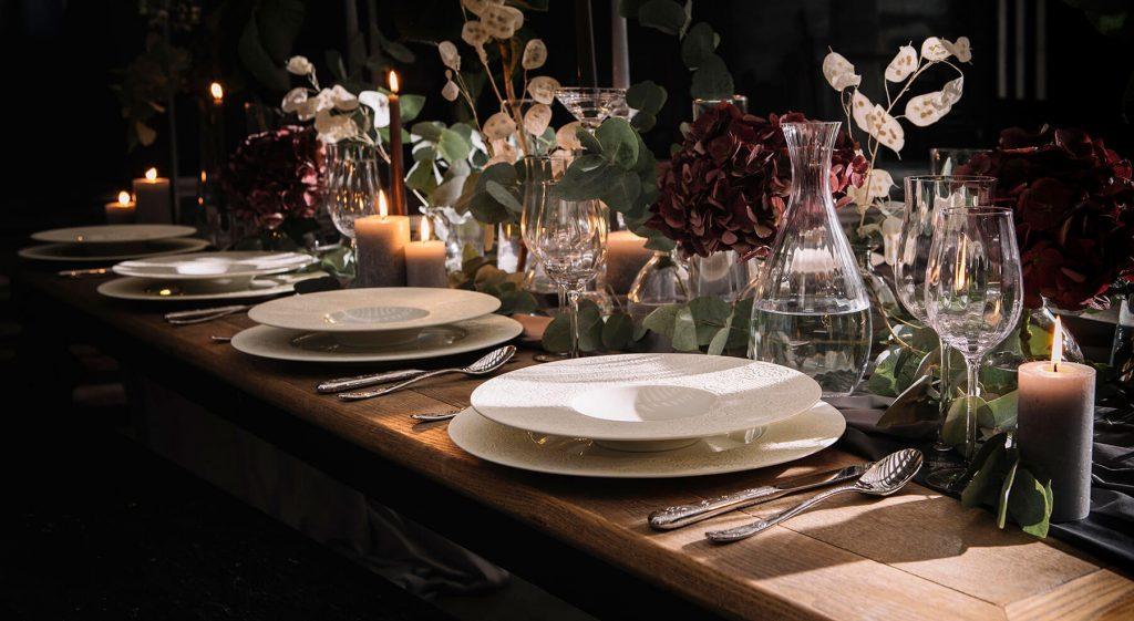 Table de Noël avec des hortensia
