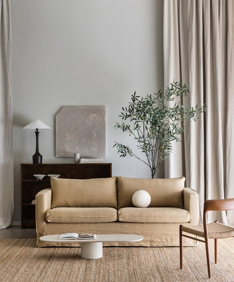 Décoration salon cosy avec canapé Ikea hack