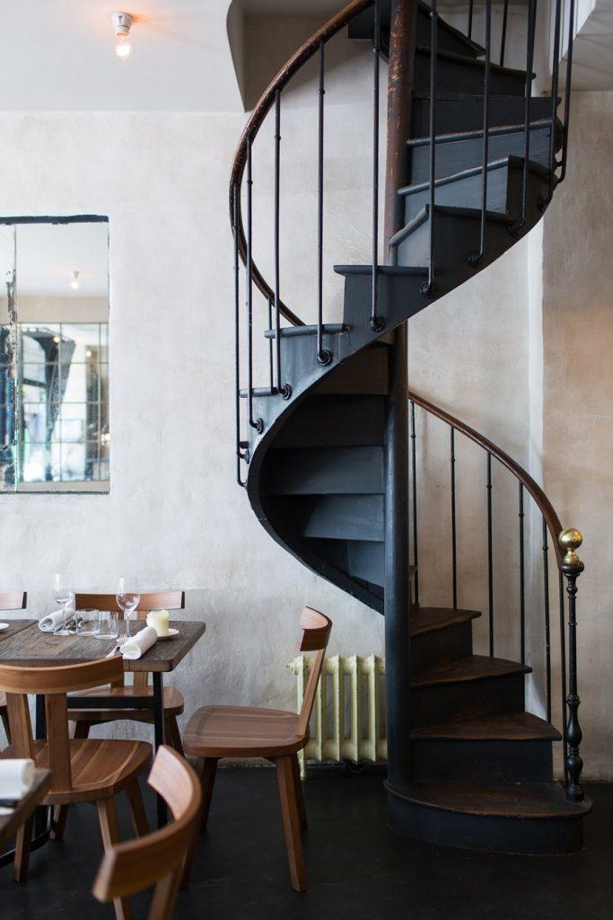Escalier en colimaçon en métal  style loft