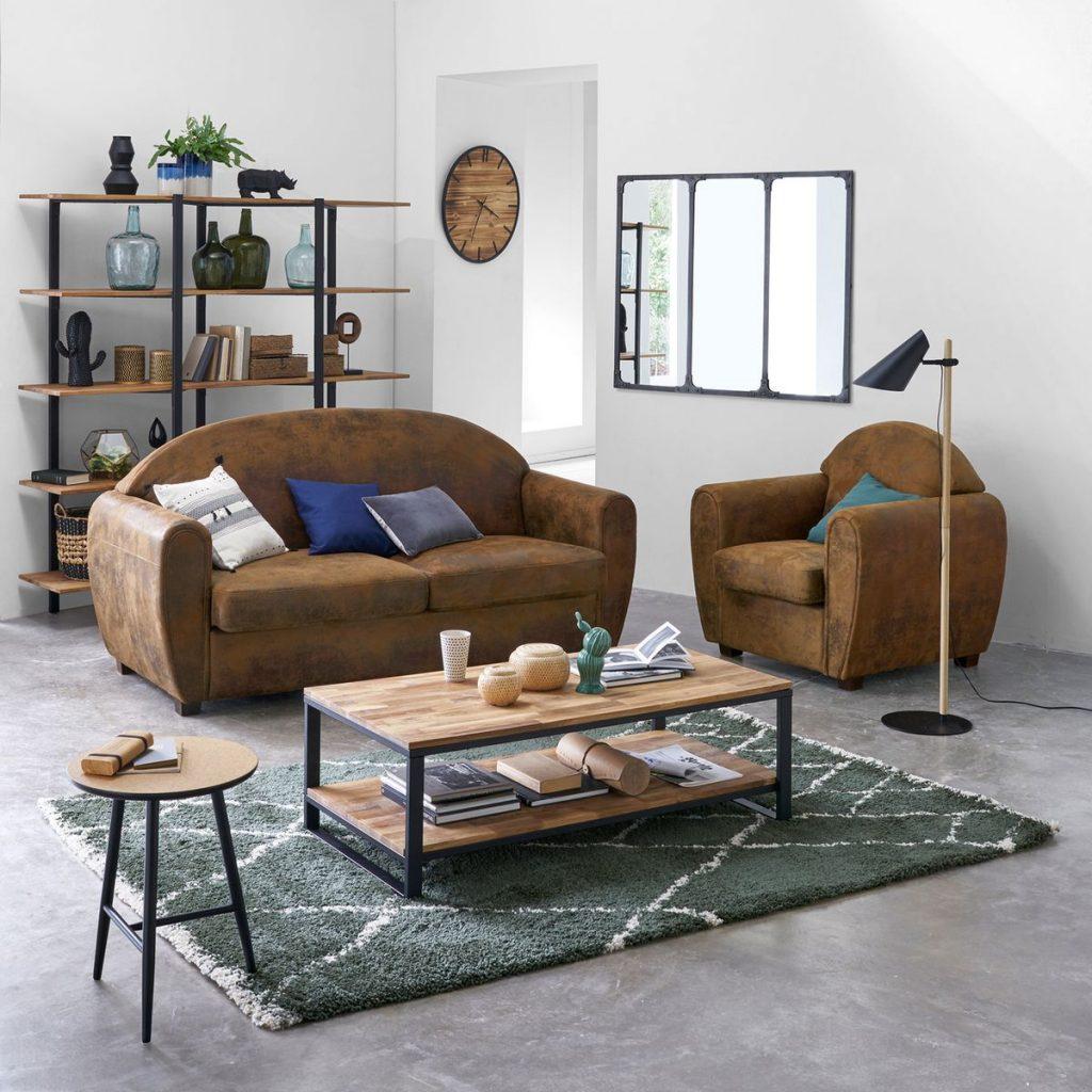 Déco salon cosy avec étagère en bois et métal