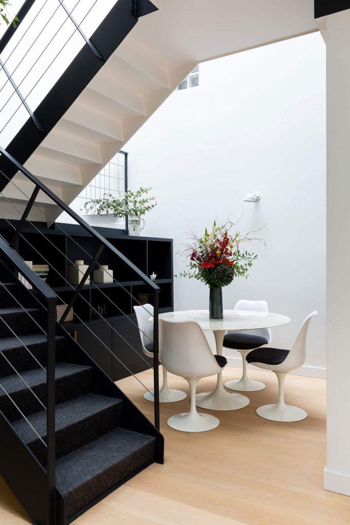Table Saarinen avec chaises tulip
