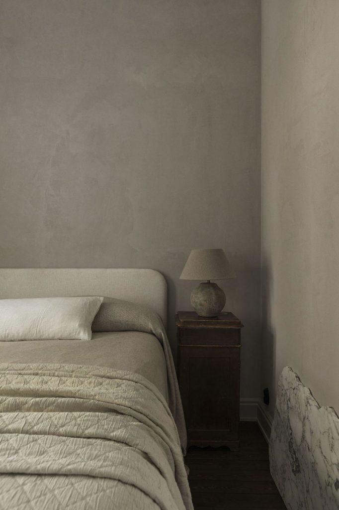 Décoration de la chambre avec des tons neutres
