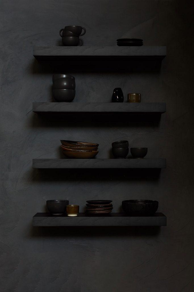 Étagère en bois noir Ethnicraft