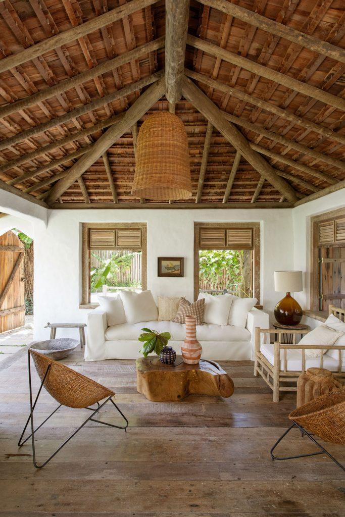 Déco exotique style Bali canapé blanc