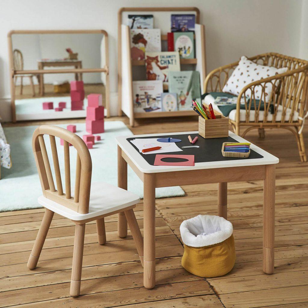 Table et chaises design pour enfant
